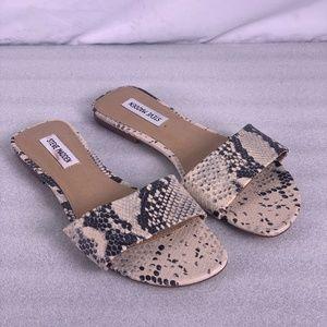 STEVE MADDEN Bev Flat Python Sandals